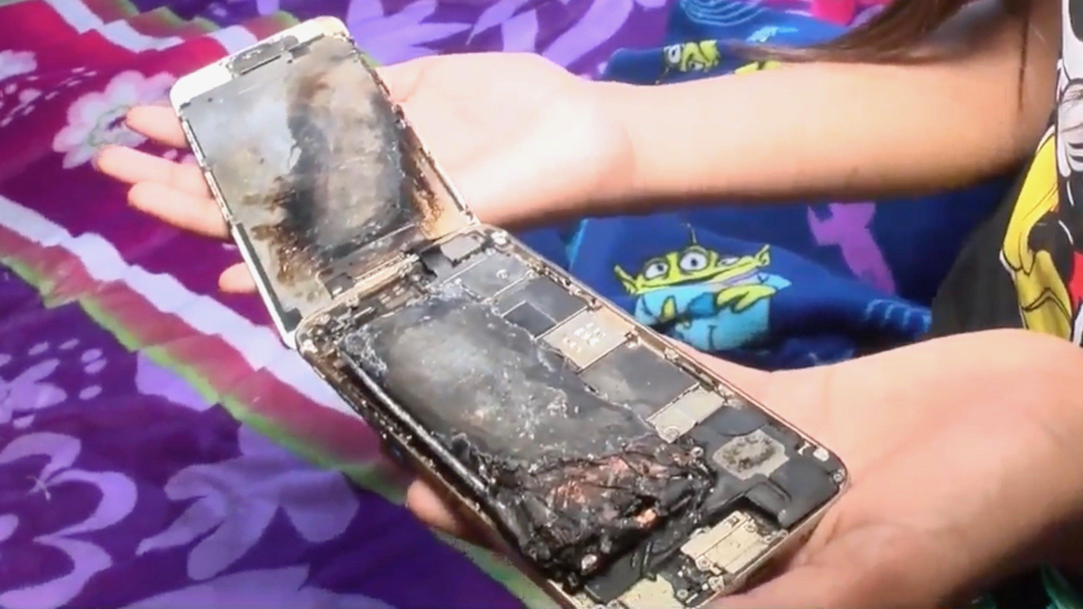 11 yaşındaki bir kızın sahibi olan IPhone 6 yanıyor 1