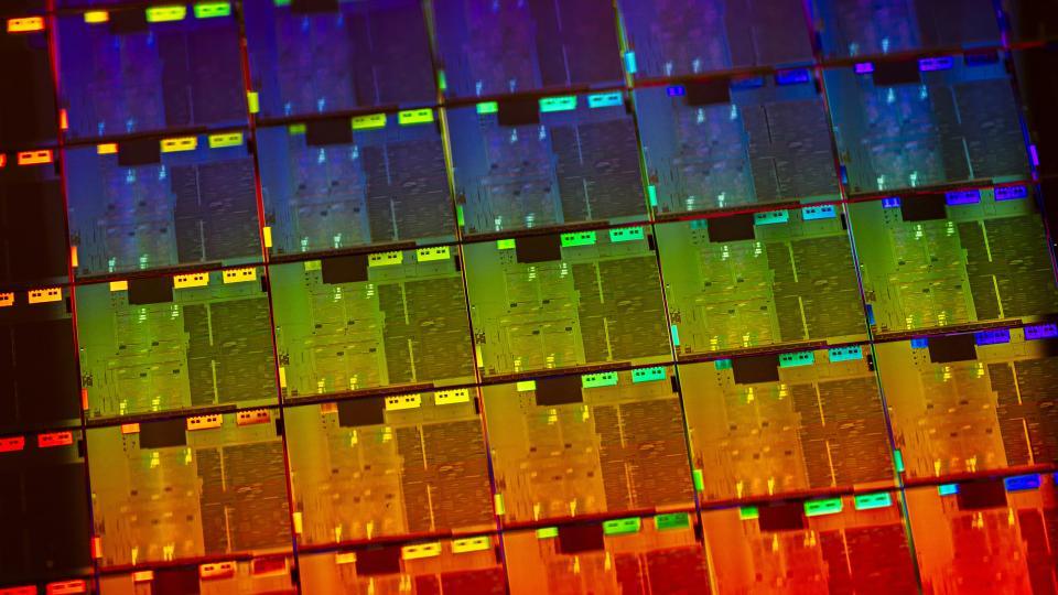 Intel, ilk onuncu nesil dizüstü bilgisayar yongalarını bu sene bekliyor 3