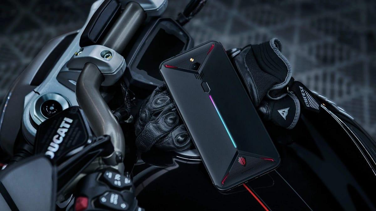 Nubia Z20: Yeni çift ekranlı telefon 1