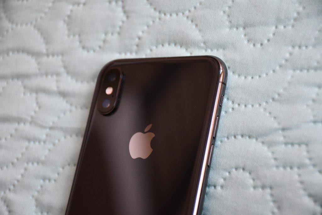 Bir Android kullanıcısı tarafından bir iPhone X kullanarak bir ay 7