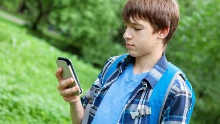çocuklarda akıllı telefon