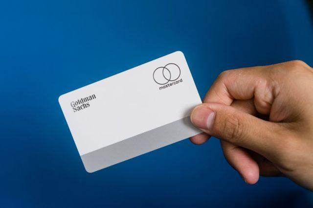 Üzerinde numara yok Apple Kart - numara sanaldır ve yalnızca Cüzdan uygulamasında gösterilir.
