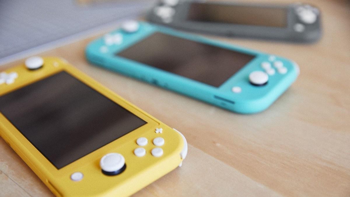 Amazon Şimdi Ön Sipariş Aldı Nintendo Switch Lite 1