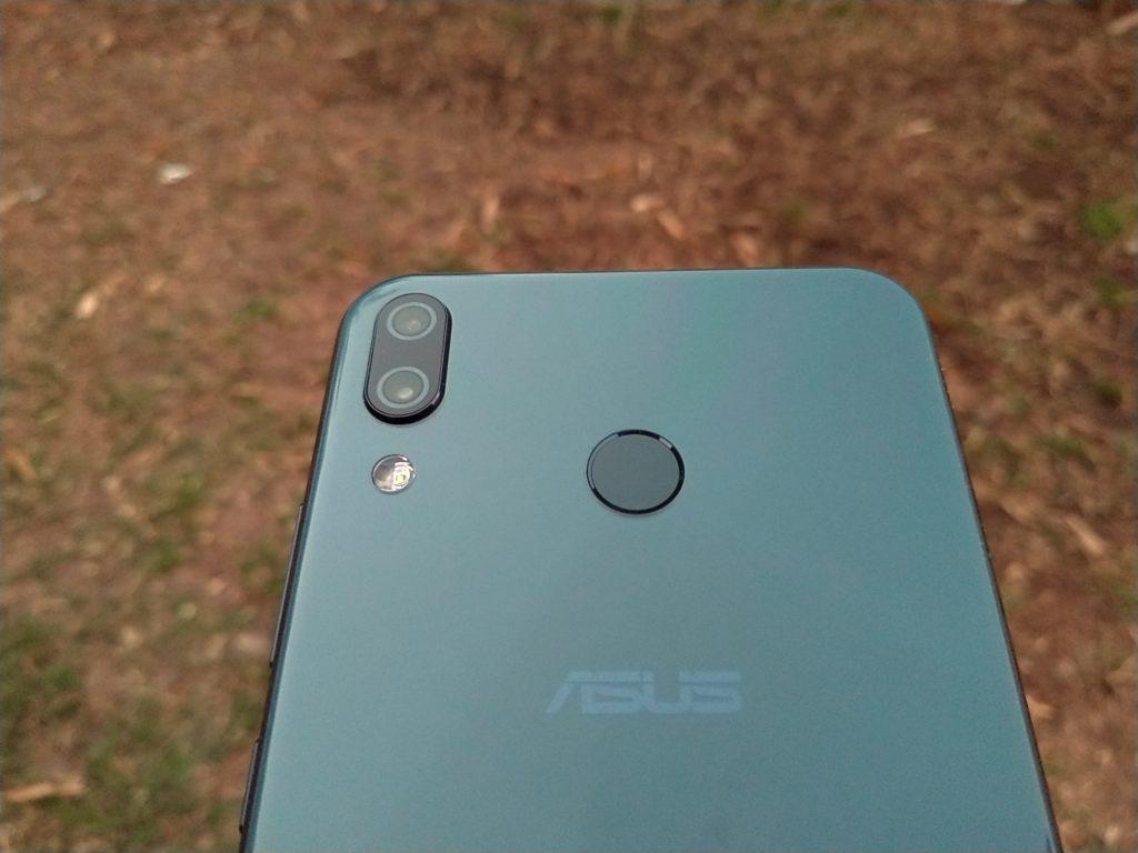 Asus ZenFone 6'nın filtrelenmiş fotoğrafları arka kapağını gösteriyor 1