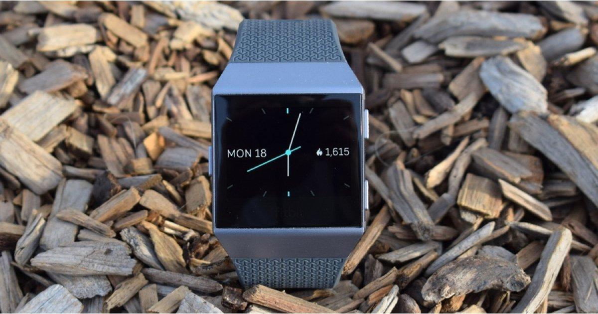 Fitbit İyonik, büyük bir fiyat indirimi görüyor Amazon İngiltere'nin yaz satışı 1
