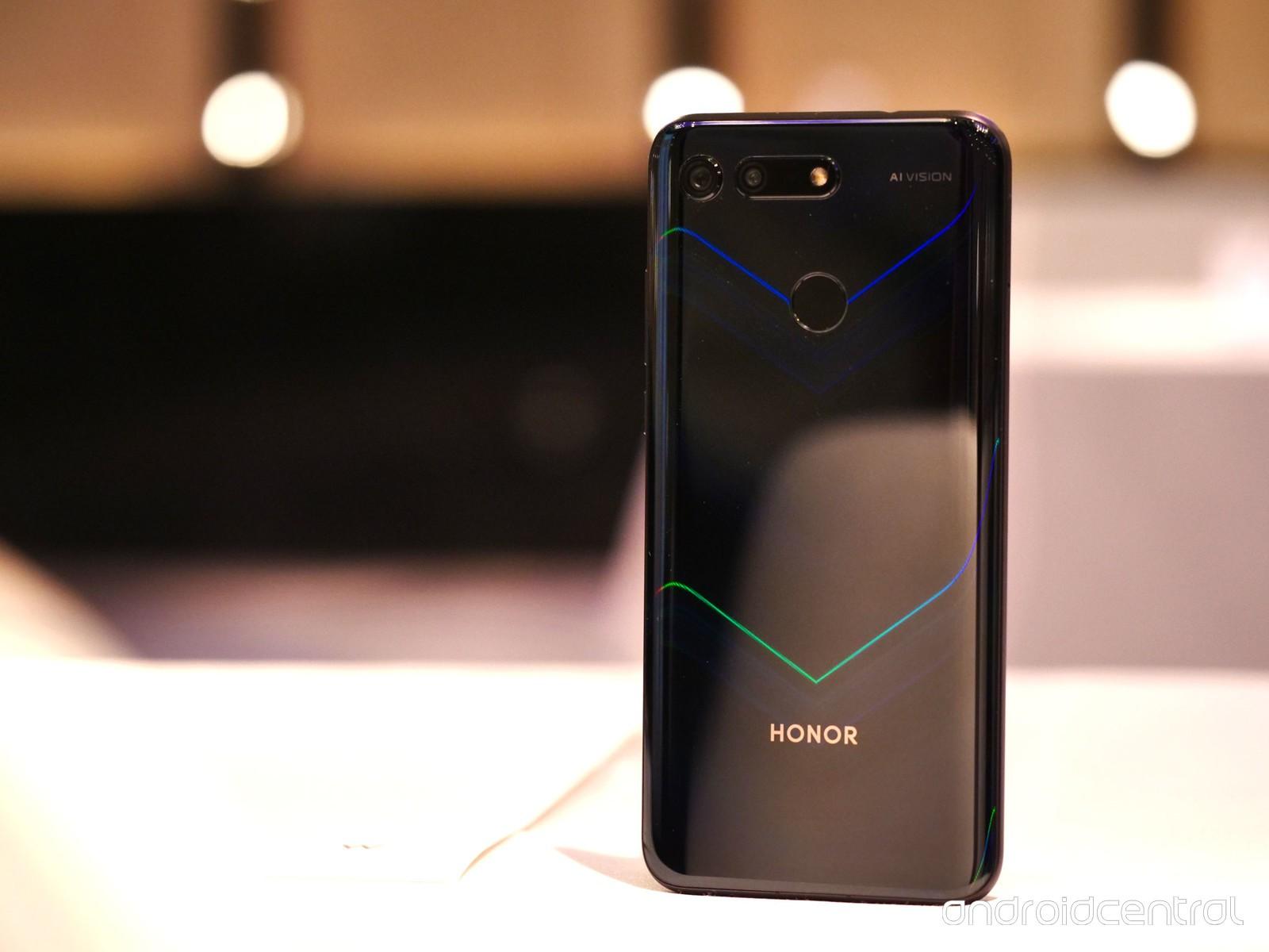 Onur, Onur Görünümü 30'u markanın ilk 5G mobil modeli olarak onayladı 1