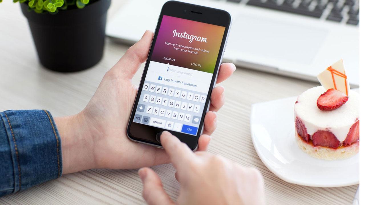 şimdi Instagram size takip etmediğiniz insanların hikayelerini gösterir