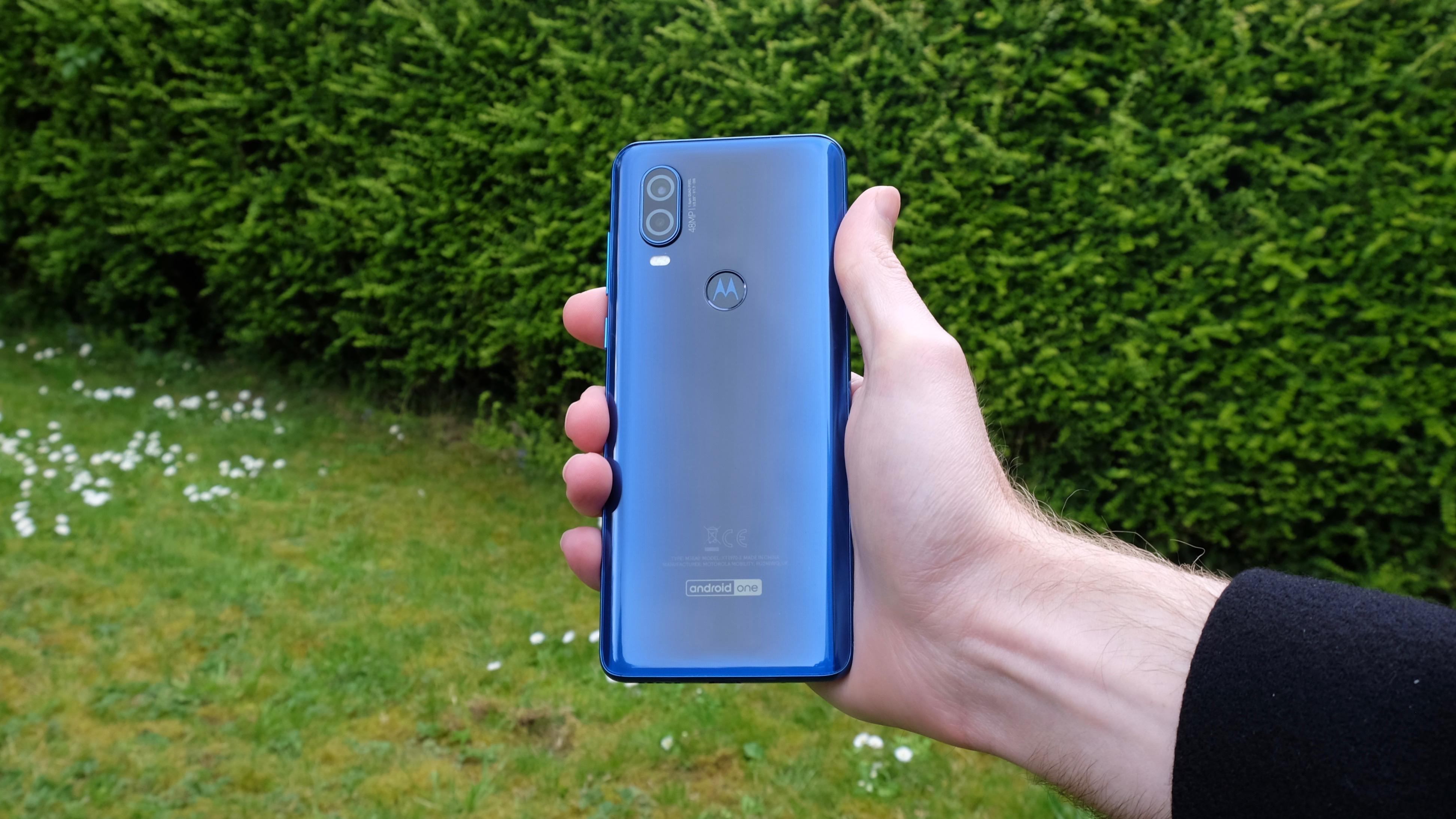 Motorola One Action sızıntısı gizemli 'Action Cam' arka lensini kızdırıyor 1