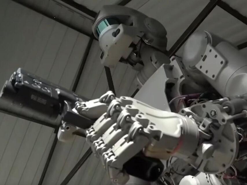 Rusya uzaya silah ateşleyebilecek bir robot gönderecek 1