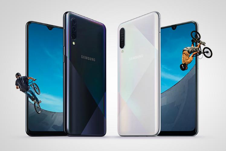 Samsung duyurdu Galaxy 'Holografik' tasarıma sahip A50'ler ve A30'ler orta korucular 1