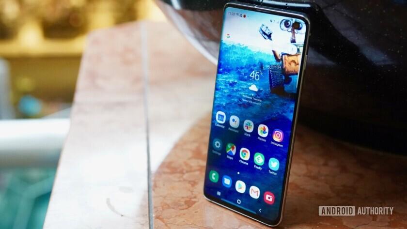 Samsung Galaxy S10 sağ profil kenar göstergesi