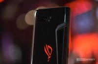 Asus ROG Telefon 2 arka ROG logosu havalandırma ve kamera