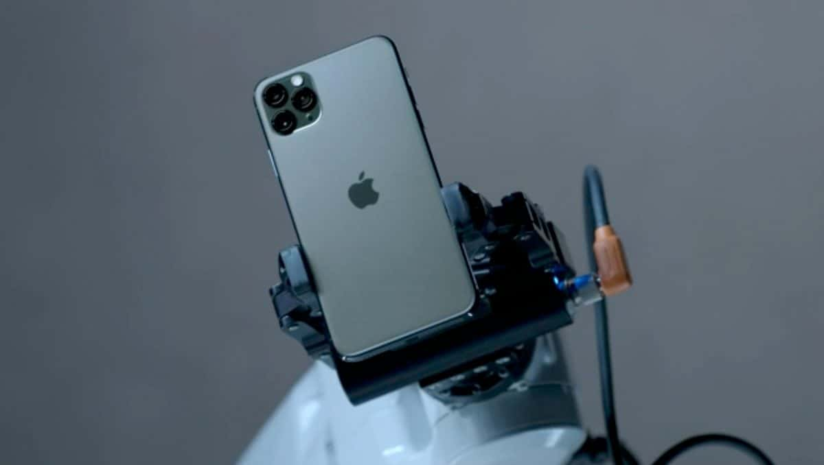 """iphone 11 pro """"genişlik ="""" 1200 """"yükseklik ="""" 678"""