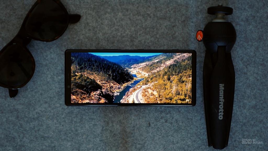 OLED ekran Xperia X1