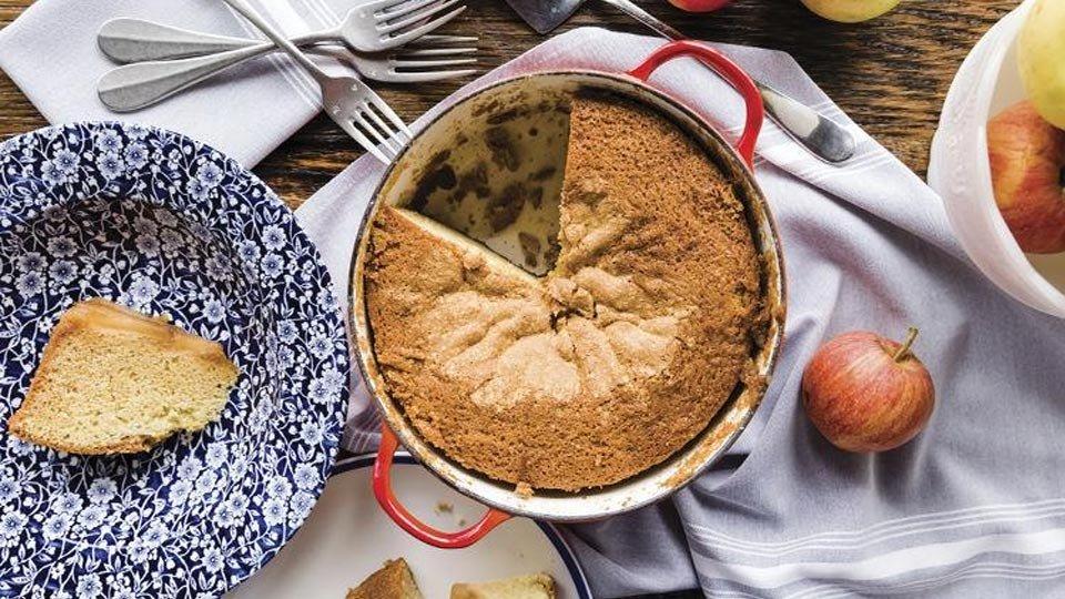 John Perkins'in Hollandalı fırın elması baş aşağı kek.