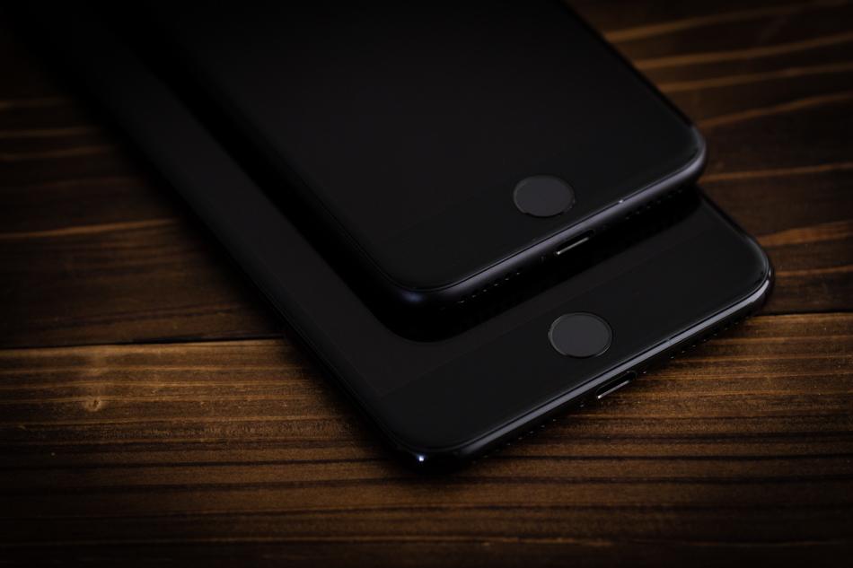 Apple  2020 iPhone için ekrandaki Dokunmatik Kimlik üzerinde çalıştığı söyleniyor.