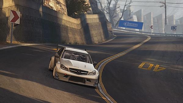 GameCube denetleyici desteğini içerecek şekilde GRID Autosport 1