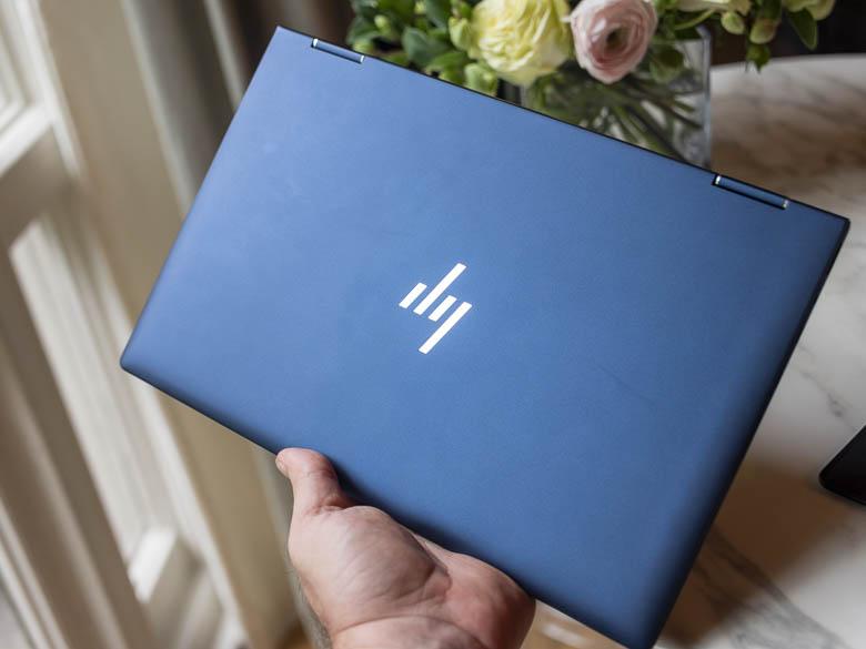 HP Elite Dragonfly ile el ele 1