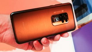 Motorola One Zoom uygulamalı inceleme