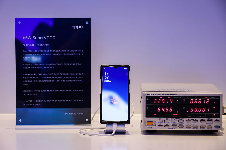 Oppo SuperVOOC 2.0 cep telefonunu sadece 27 dakikada şarj etmeyi vaat ediyor 1