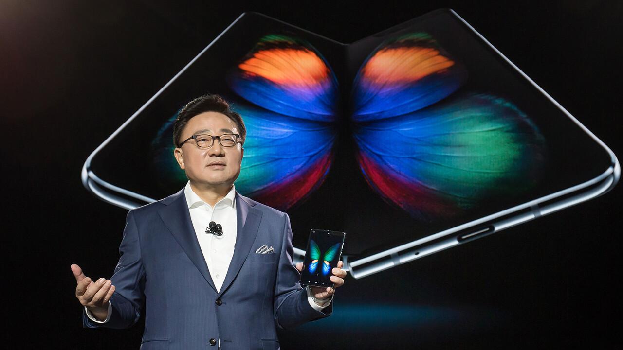 Samsung Galaxy Fold  5G: 18 Eylül'de 2.100 avrodan piyasaya sürüldü