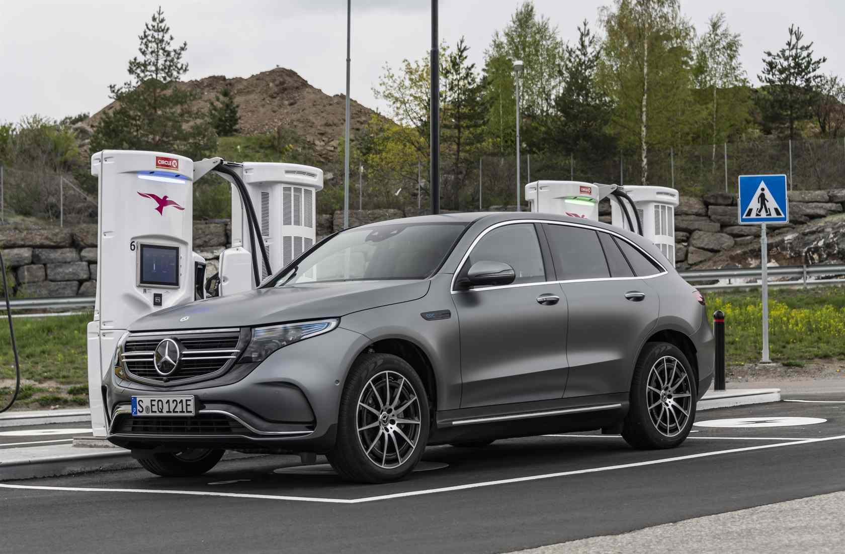 2020 Mercedes-Benz EQC SUV First Drive: EV de luxo em movimento