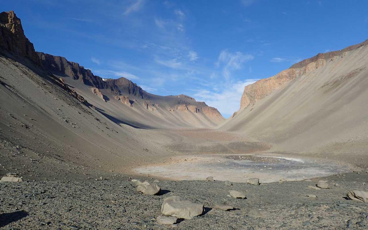 A primeira vida da Terra provavelmente ocorreu em lagoas e não no oceano