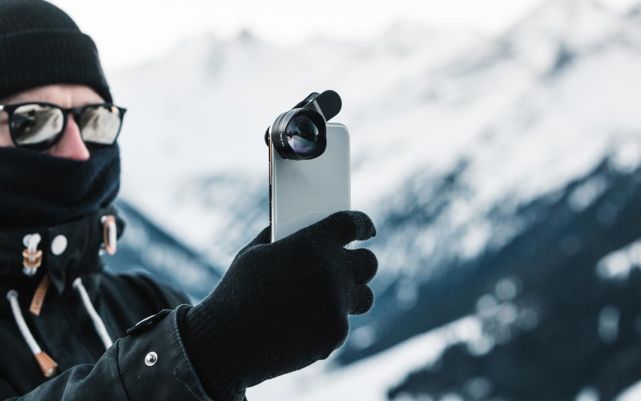 Black Eye Pro Kit G4 lenses offer smartphones some DSLR chops