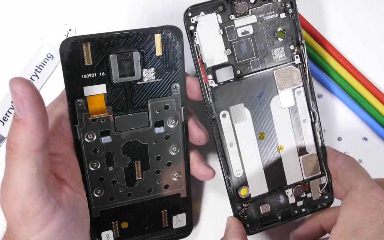 Desmembramento do Xiaomi Mi Mix 3 revela os truques magnéticos do telefone deslizante