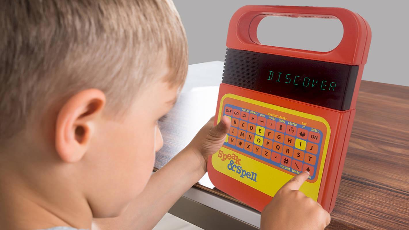 Fala Retro & amp;  Brinquedo ortográfico com voz atualizada será lançado mais tarde ...