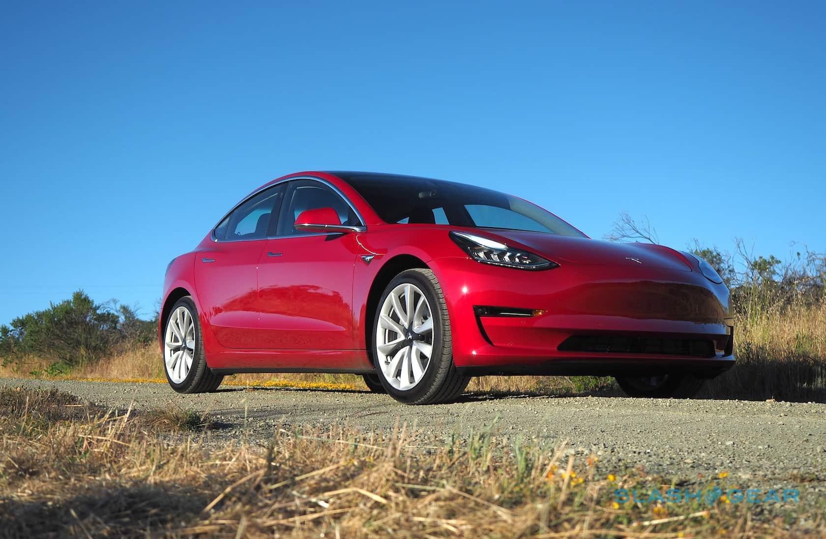 Locação de Tesla Model 3 adicionada à medida que o futuro de US $ 35k EV fica obscuro