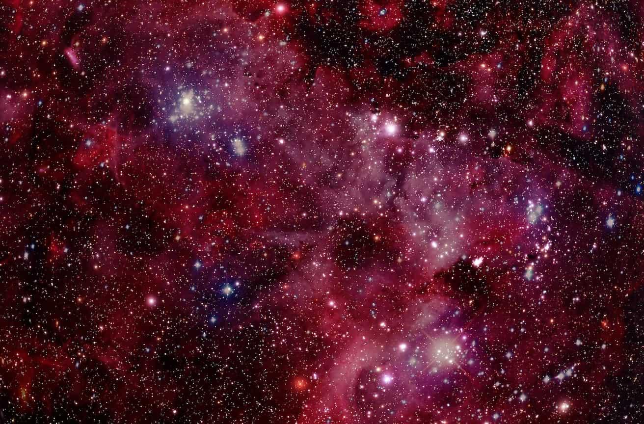 NASA descobre poeira cósmica sobrevivente de supernova