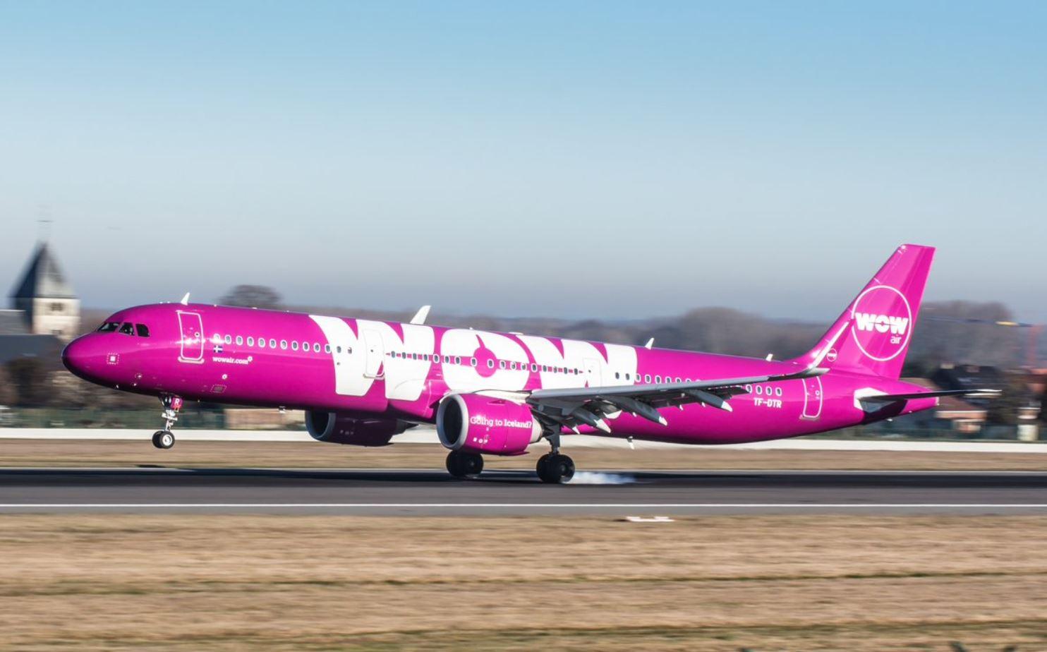 WOW Air's sudden shutdown leaves customers stranded