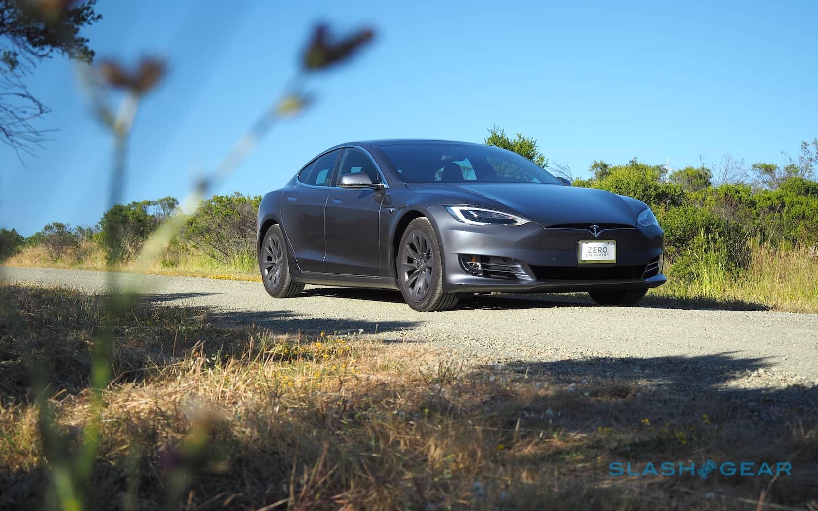 O piloto automático da Tesla está recebendo configurações de agressão