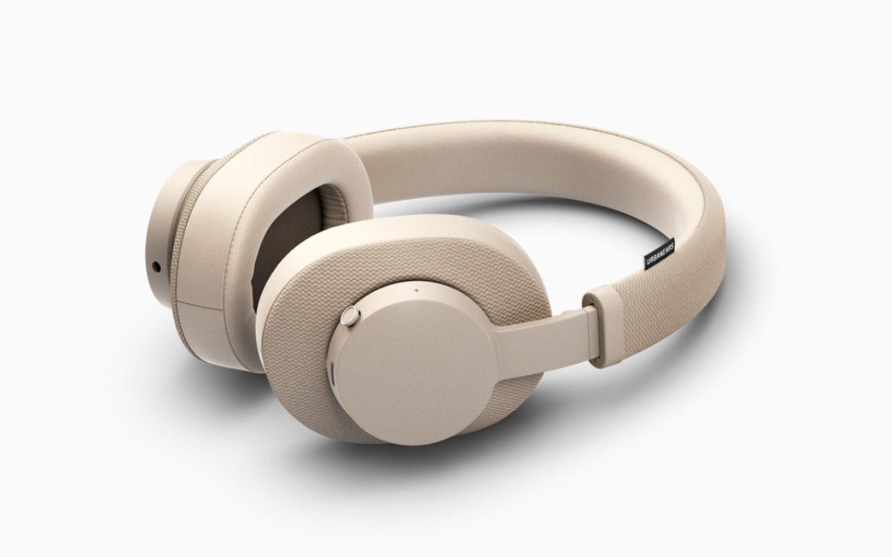 Os fones de ouvido sem fio Urbanears Pampas oferecem bateria com duração de 30 horas