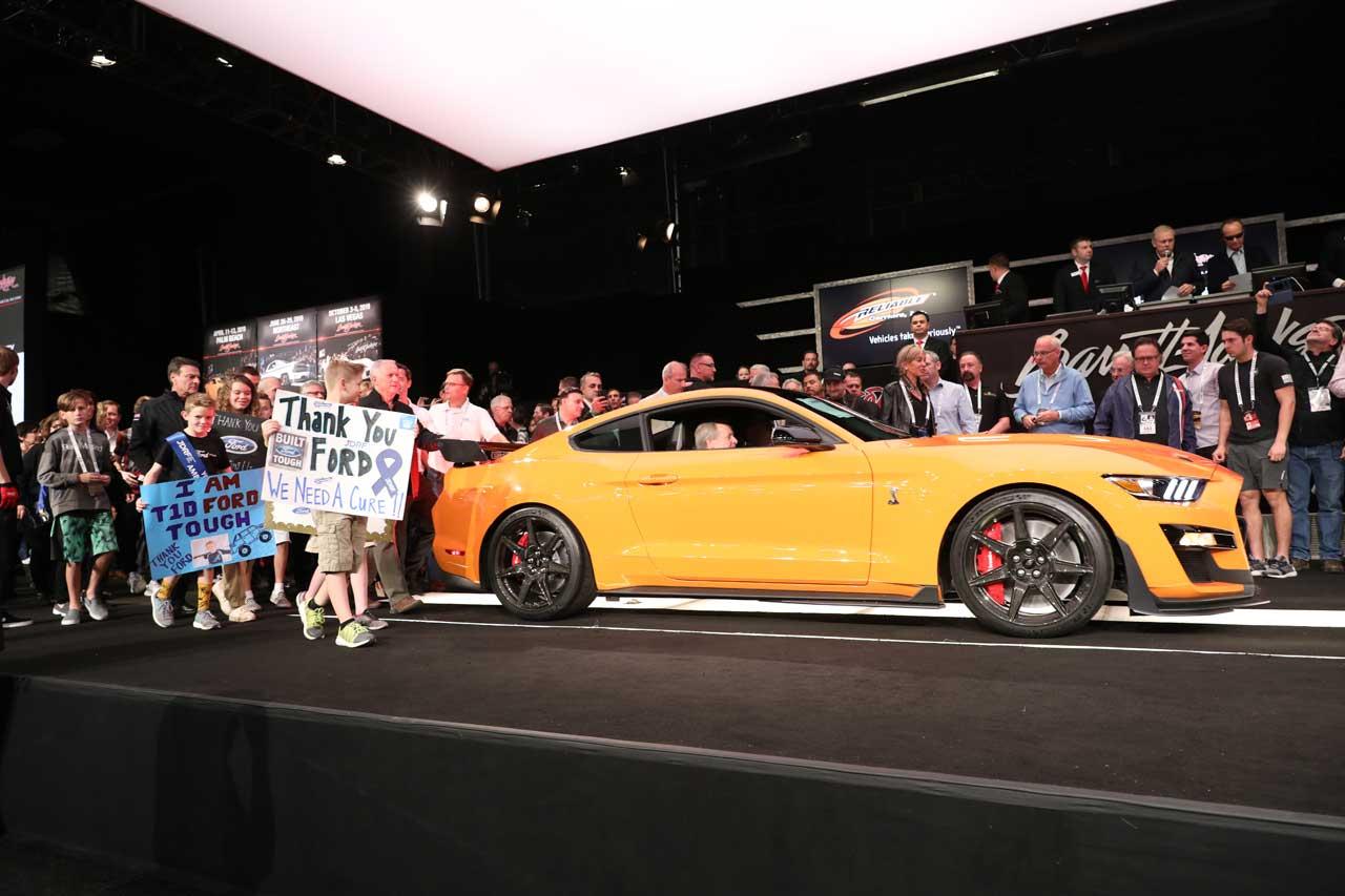 Primeiro Shelby GT500 de 2020 arrecada US $ 1,1 milhão em leilão para pesquisa sobre diabetes