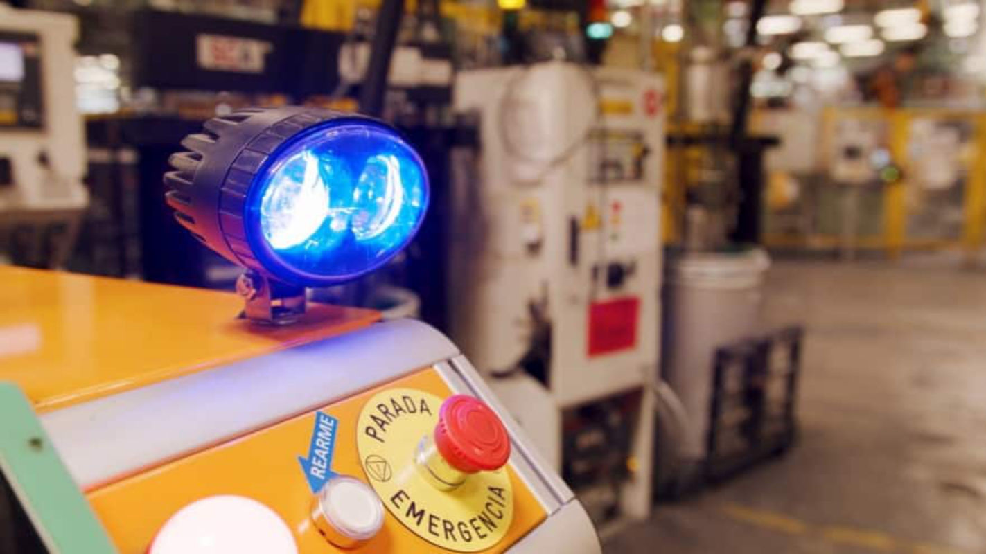 Robô autônomo da Ford ajuda os funcionários a se concentrarem em projetos complexos