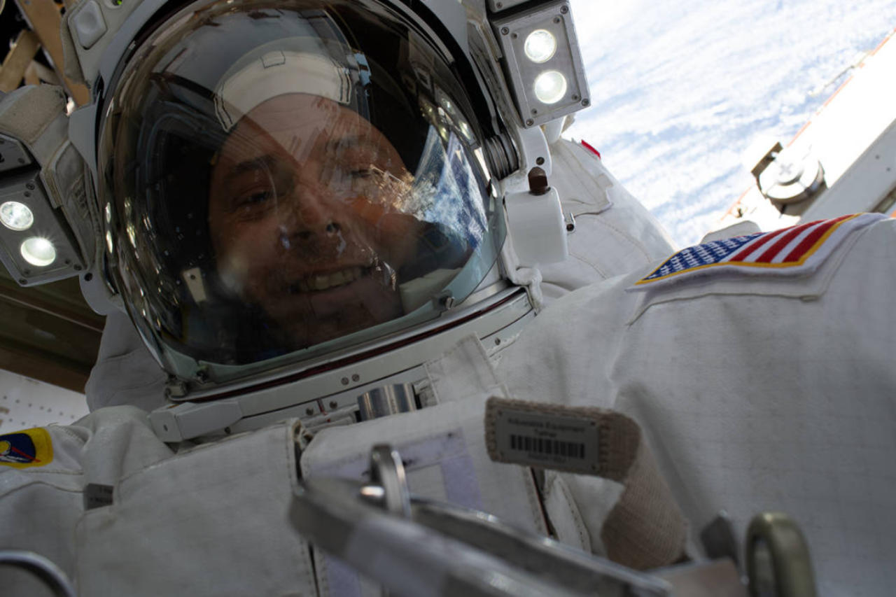 NASA astronaut's space selfie has Earth as its epic backdrop