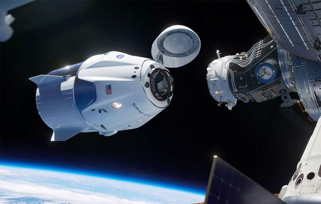 SpaceX Crew Dragon sofreu 'anomalia' esfumaçada durante teste recente do motor