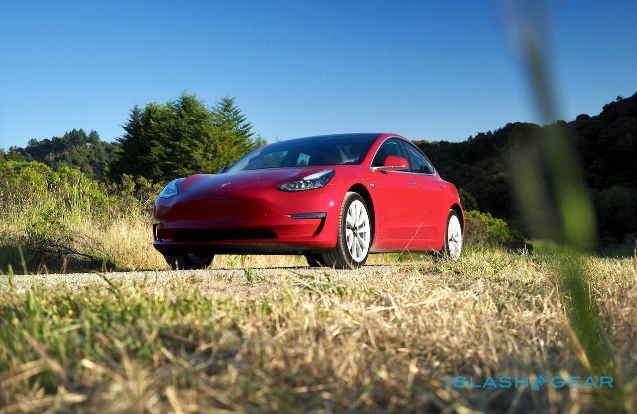 Tesla inicia entregas do Modelo 3 na Europa no próximo mês