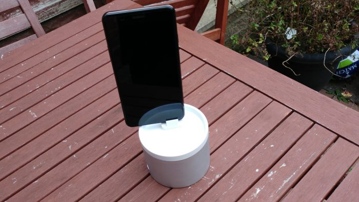Oittm Nightstand Charger para Apple Watch e revisão de smartphones