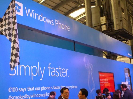 A Microsoft transfere o suporte móvel para o B2X.